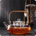 Ройбос чай Этот тонизирующий напиток изготавливают из листьев и ветвей одноименного кустарника, который относится к семейству бобовых. Технология примерно такая же, как при производстве чая. На этом, пожалуй, сходство заканчивается. В ройбосе, на радость людям с повышенным артериальным давлением, вообще ...